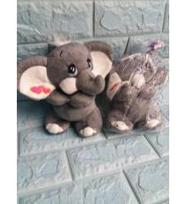 Chú voi nhồi bông quà từ kem Walls màu xám