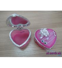 Hộp đựng nữ trang hình trái tim