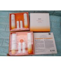 Set sản phẩm dưỡng da AHC Superior Pure Vita Skincare 2 Pieces Set