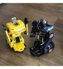 Xe ô tô chạy biến hình thành robot Nutifood+pin